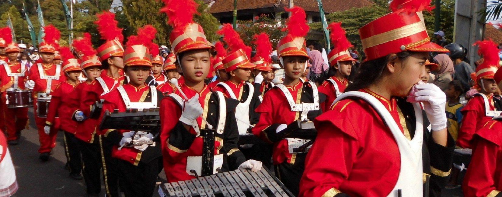 Harga Seragam Drumband | Desain Baju Drumband Terbaru 2018 | Desain Kostum Marching band Terbaru