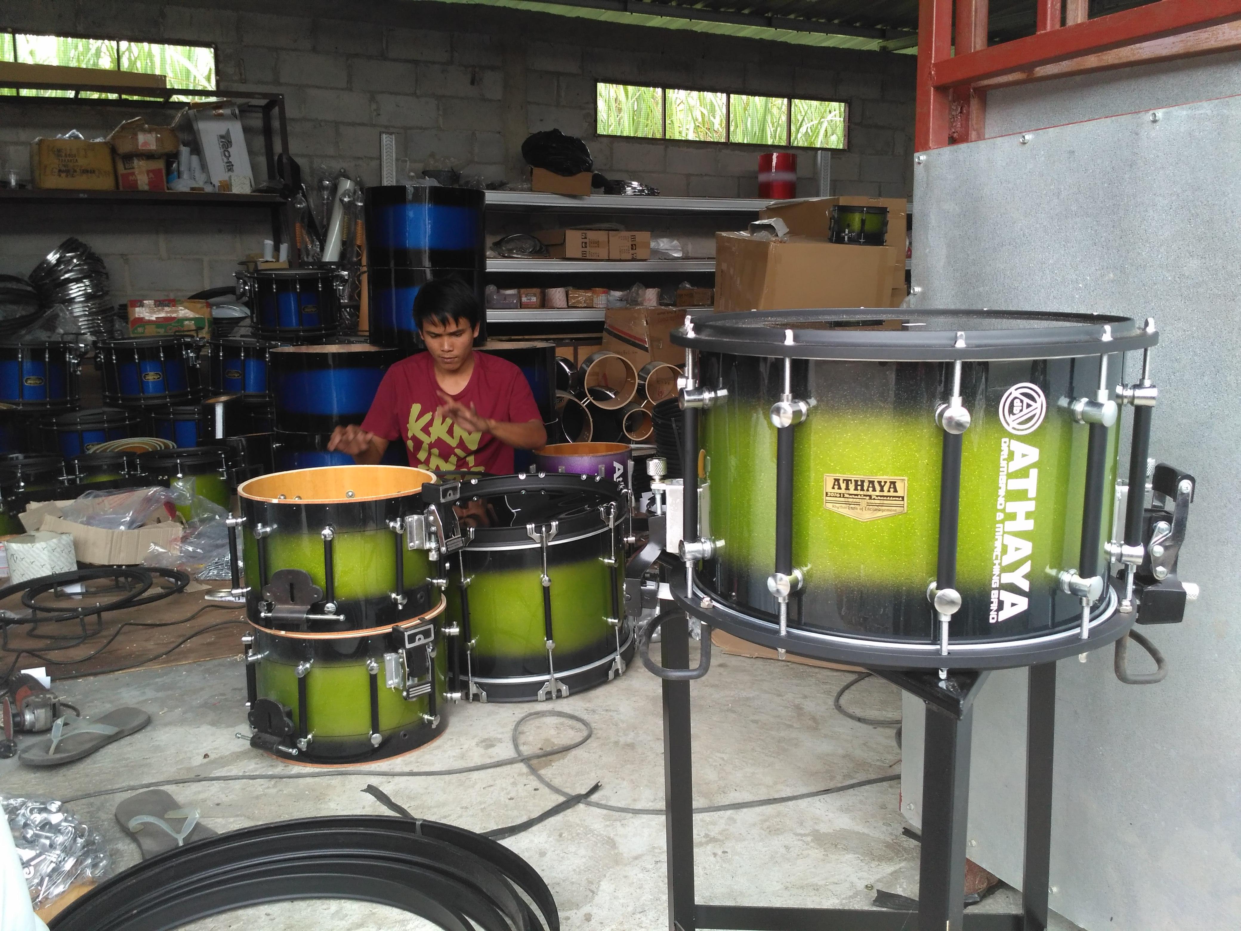 Pengrajin Alat Drumband